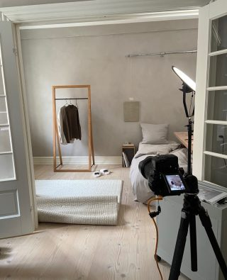 Over the weekend we had a photo shoot for our new catalog and upping coming products. Here is a little sneak peek from what went on behind the scenes. ⁠ ⁠ #wedowood #sustainabledesign #homedecor #modernliving #interior #clotheshanger⁠