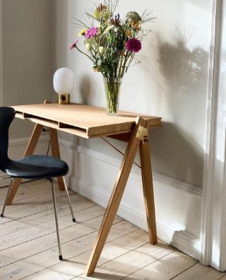 The Field Desk placed in the beautiful home of @kristineclaudia, where it creates an elegant and functional home office.   #wedowood #homeoffice #sustainabledesign #homedecor #modernliving #nordichome