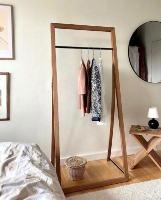 Use the Framed Hanger to show off your favorite clothes, as seen elegantly done in home of @tinnekier.  #wedowood #hanger #interior #sustainabledesign #wardrobedesign #moderndesign